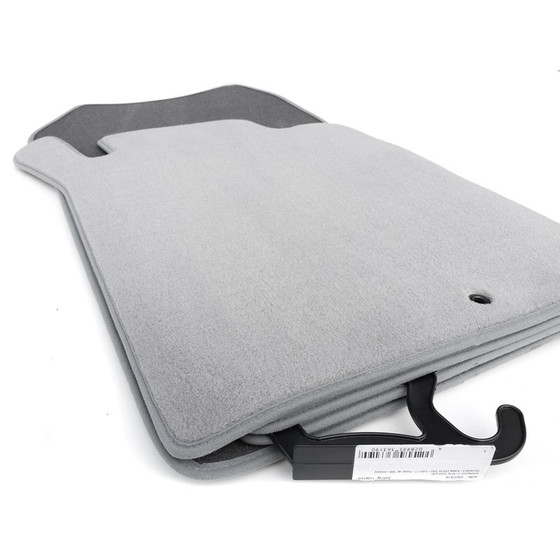 mercedes w212 s212 fu matten premium graue farbe. Black Bedroom Furniture Sets. Home Design Ideas