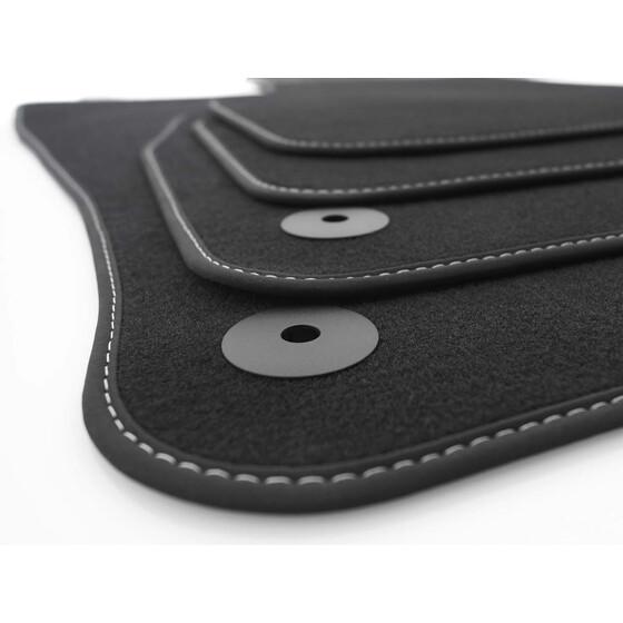 seat leon 3 fu matten velours schwarz wei e ziernaht. Black Bedroom Furniture Sets. Home Design Ideas